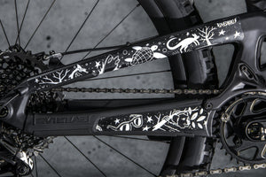 Chainstay and seatstay image of Pray for Straya design