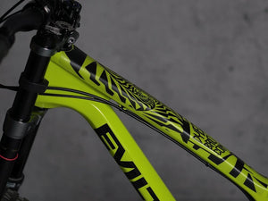 Psycho Black by DYEDBRO side image of toptube