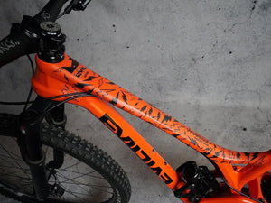 Sergio Layos Signature Edition by DYEDBRO in Black toptube shot