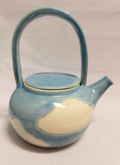 Cloud Tea pot with basket handle