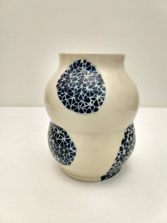 Vase In Broken Triangle Pattern