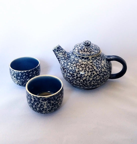 Mini Tea set in Broken Triangle pattern