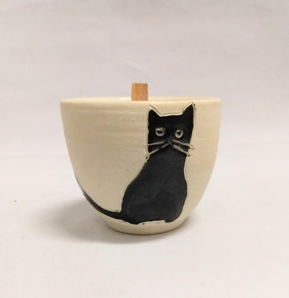 Sasha cat seated Candle