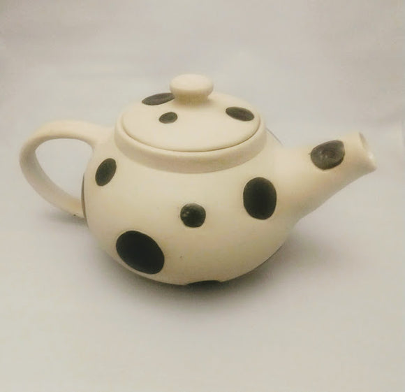 Spotty Pot Teapot with strainer