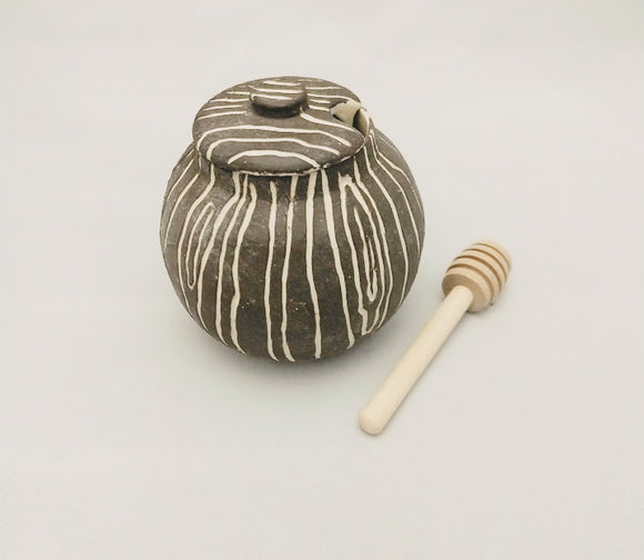 wood grain jam pot