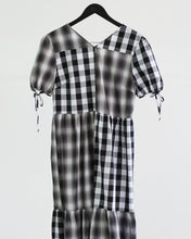 Load image into Gallery viewer, The Picnic Dress