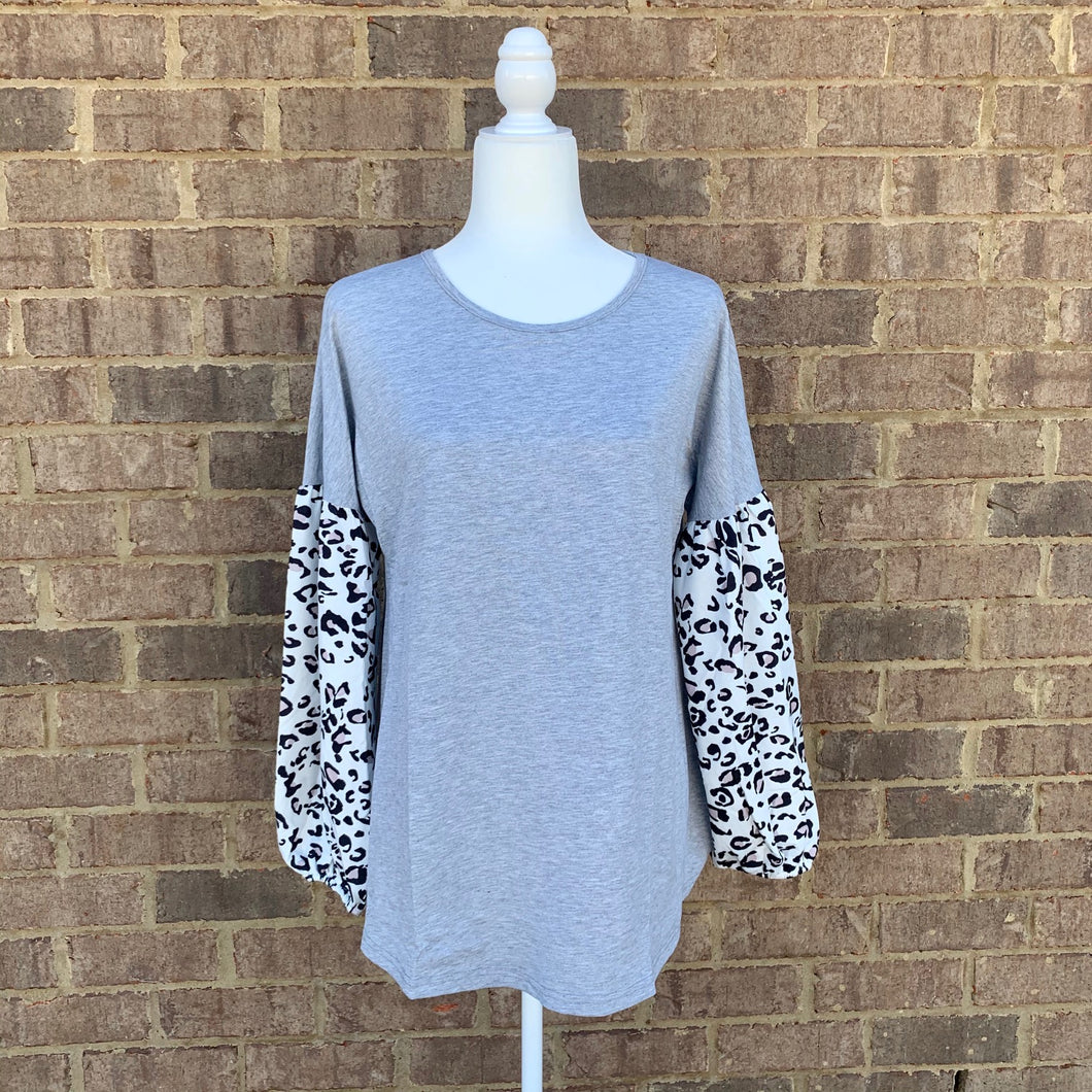 Plus - Gray Balloon Leopard Sleeve
