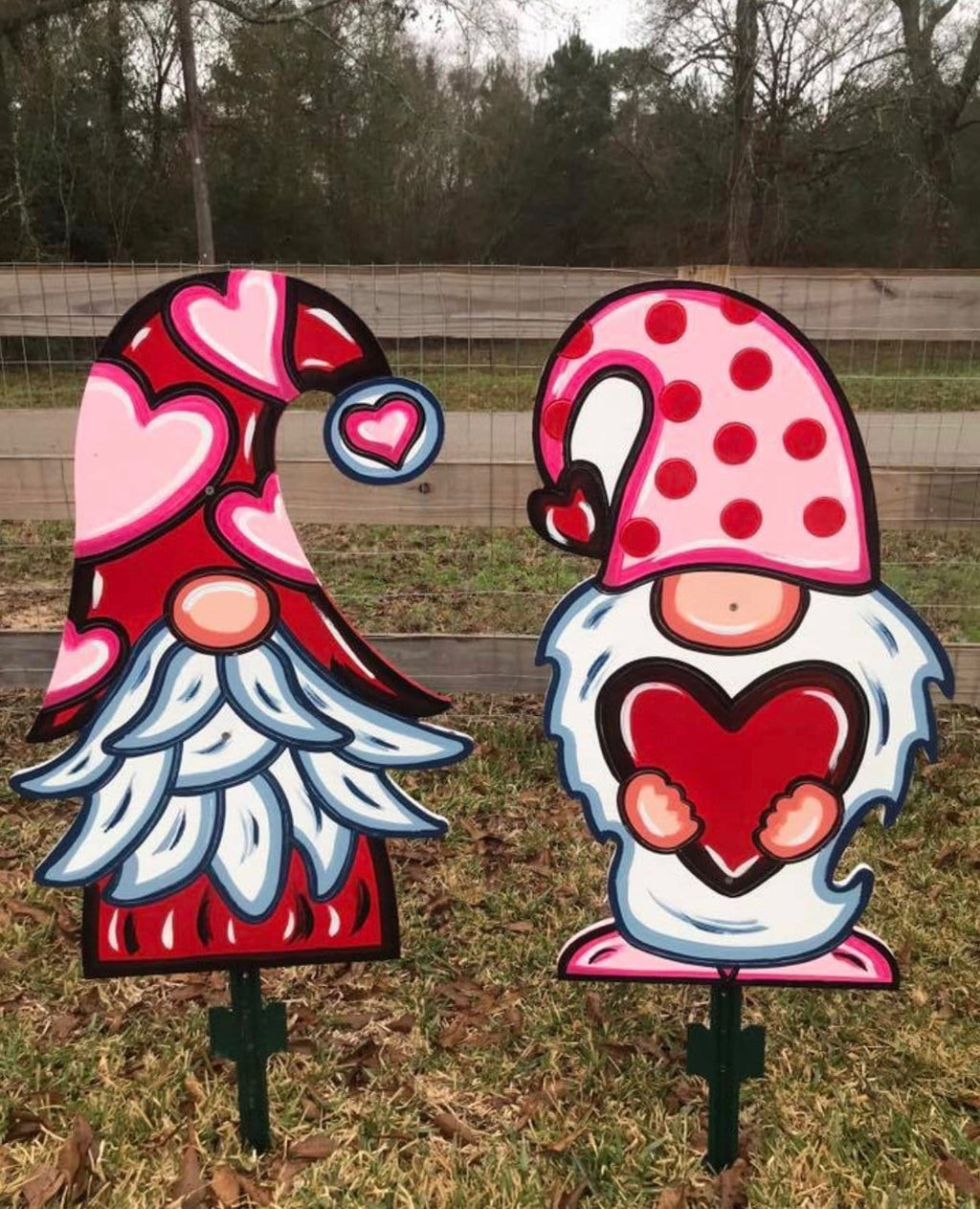 Valentine Gnome holding Heart Blank DIY