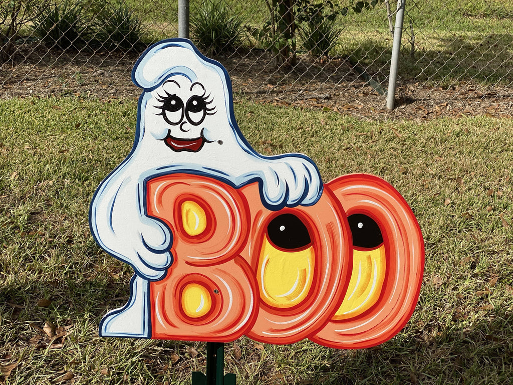 ghost holdong BOO letters with eyes painted yard art design
