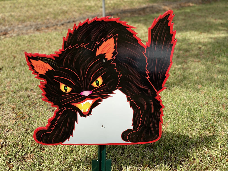 balck cat with red outline painted yard art design