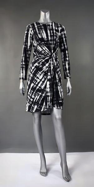 D4-Graphic Print Knot 3/4 Dress