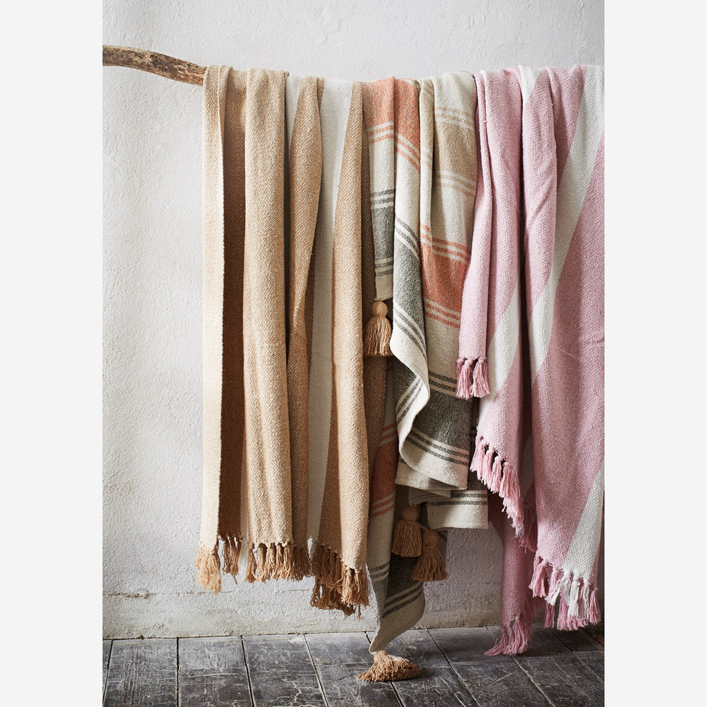 Striped woven throw w/ tassels - Lempi Lifestyle