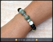 "Load image into Gallery viewer, Baha'i Prayer Beads Bracelet - Calming Beads - (Alláh-u-Abhá) ""The Noble Soul"" BPB46"