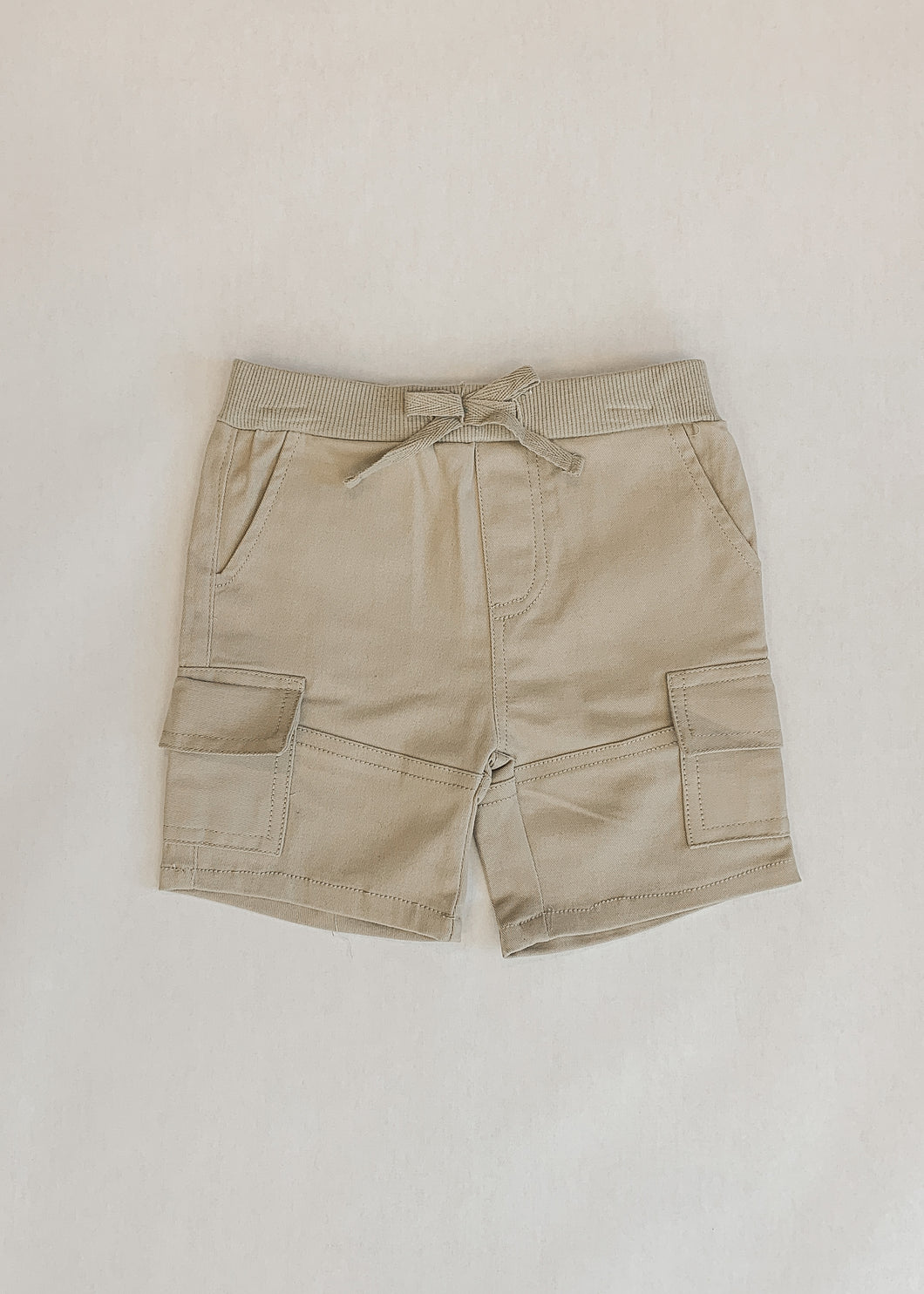 Neil Shorts in Khaki