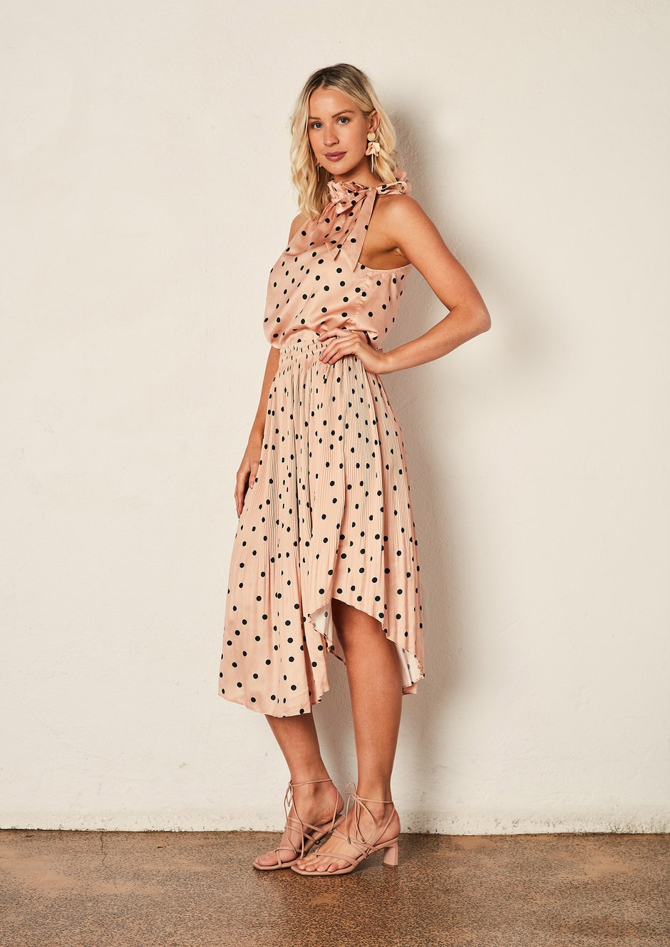 We Are The Others - Pleated Skirt Peach Polka