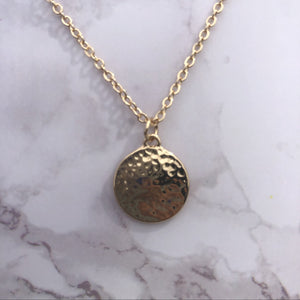 small gold hammered pendant necklace from lexxa collection