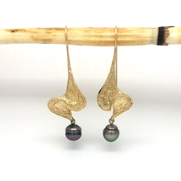 """S"" shaped swirls with Tahitian pearl dangles"