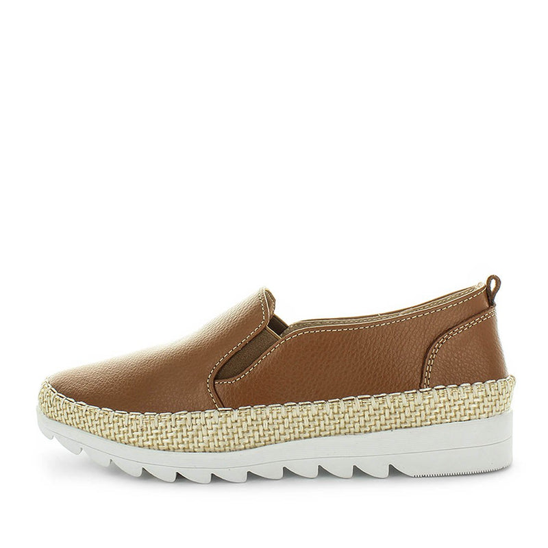 womens comfort shoes, womens shoes, womens leather affordable shoes, Just Bee capty - tan, leather womens shoe with trim and comfort insoles.