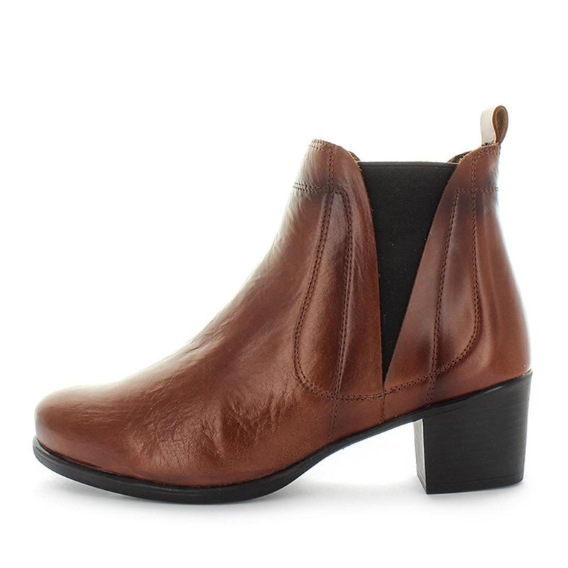 Dexa by desiree - Ishoes - Women's boots - women's heels - women's comfort shoes - women's shoes - CLassic slip on boot made from all leather materials and a breathable lining with a 50mm block heel height - Winter boots