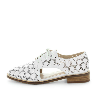 holler, zola collection, zola, leather flat, leather shoes, womens shoes, ladies shoes, womens leather shoes, womens leather flats, leather lace-up, leather lace ups, leather lace up shoes, flexible shoes, dressy lace up, white lace ups, white leather flat lace up, white shoes