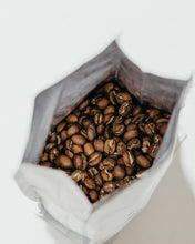 Load image into Gallery viewer, 1 kg Black Lion Premium Arabica Coffee