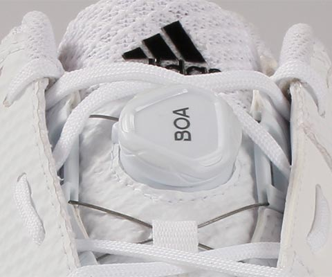 The BOA system helps secure the mid foot, locking it in place and reducing movement within the shoe.