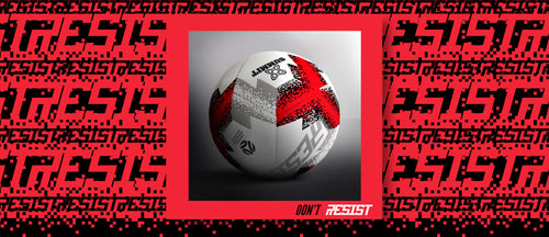 Football Australia endorsed soccer ball flaunts a greater sweet spot with larger panels. It is budget friendly.