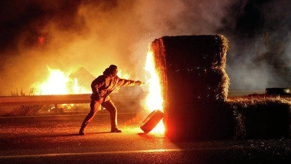 SOURCE: Revolution-News.com/French-Farmers-Set-Fire-Tax-Insurance-Offices-Protest