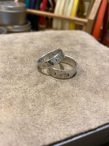 Thick hammered bands