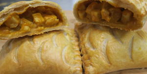 Sweet and Spicy Chicken Pastie           ( 2 pack)