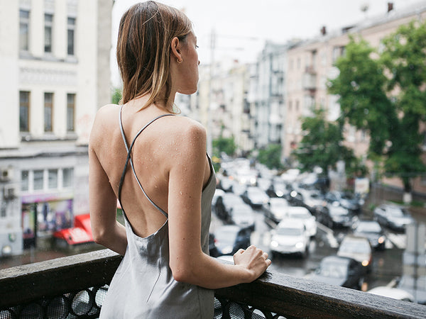 backless outfit
