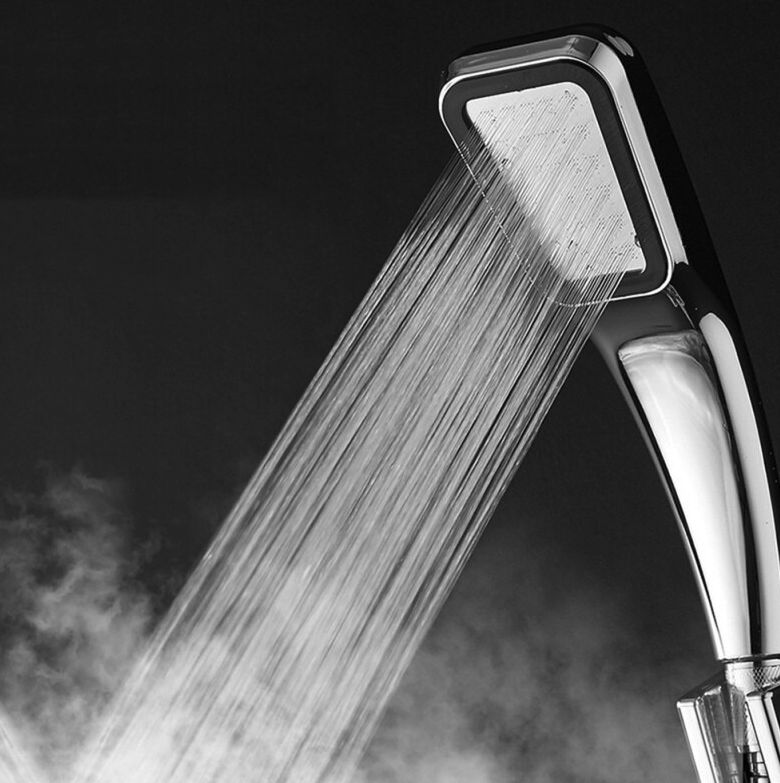 SUPERCHARGED SHOWERHEAD™ | INCREASES WATER PRESSURE TO 300%