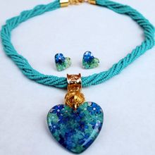 Load image into Gallery viewer, Elder Flower - Medium Heart Pendant / Beads Complete Set - Turquoise