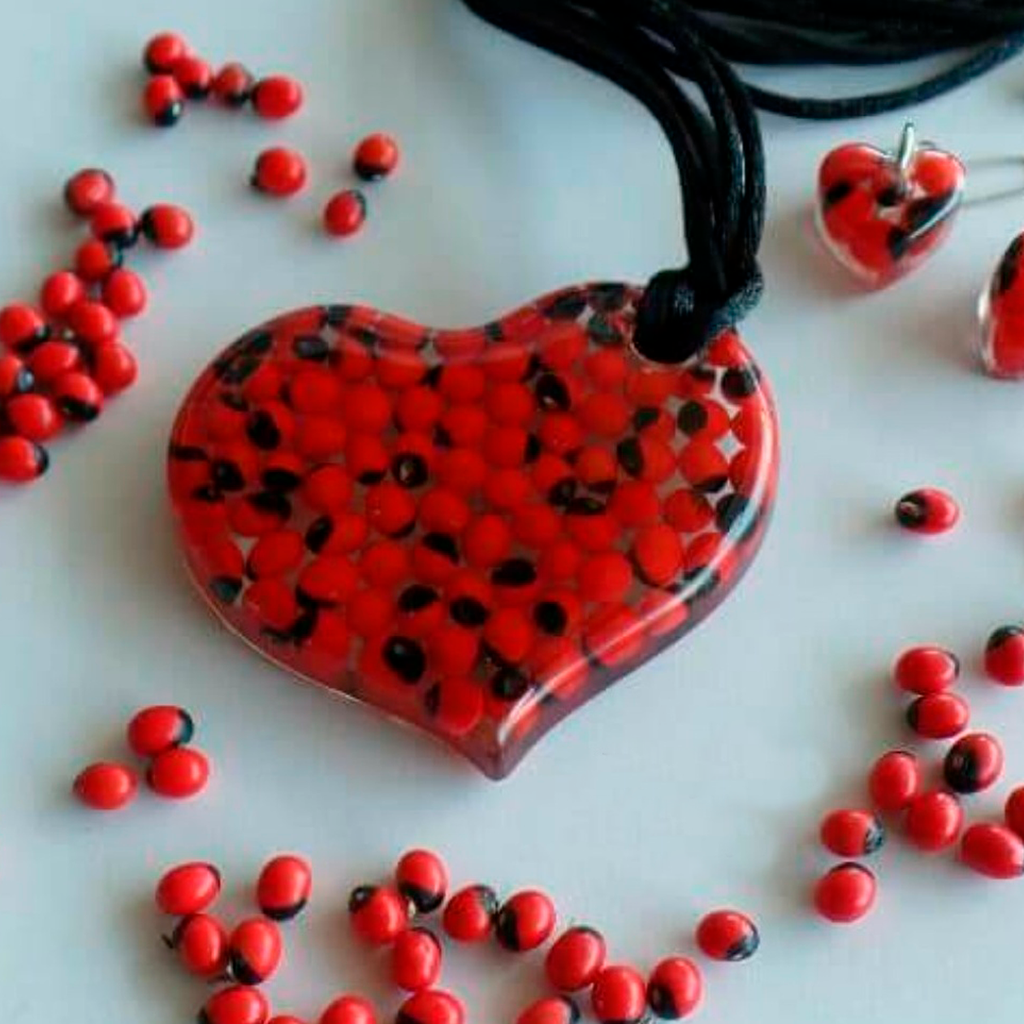 Huayruro Complete Set - Side Heart Necklace and Earrings - Red and Black