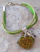 Load image into Gallery viewer, Mung Bean Bracelet - Square shape Bracelet with Charms - Green