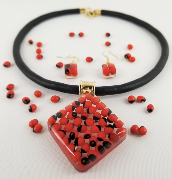Huayruro Bean Diamond Set - Diamond Shape Necklace and Earrings - Red & Black