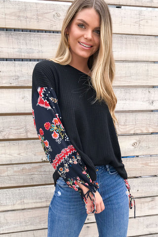 Lost Gypsy Contrast Sleeve Knit Top- Black