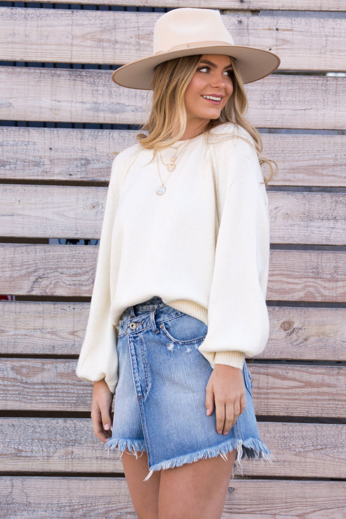 Unforgettable Crew Neck Knit Sweater - Cream