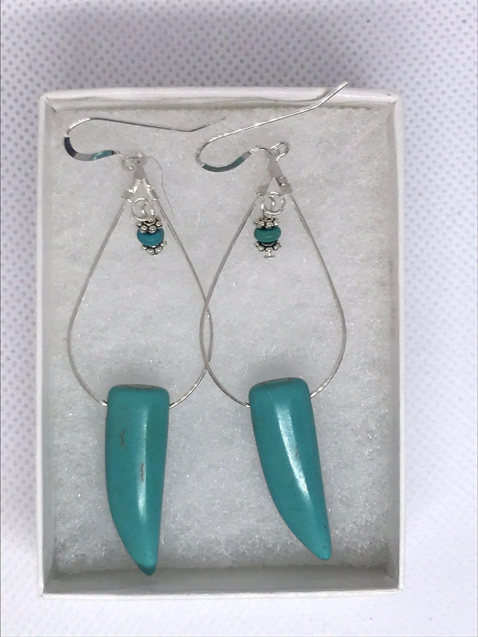 Turquoise tooth shaped earring