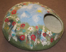 Load image into Gallery viewer, Felted Wool Cat Cave, house