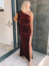 Load image into Gallery viewer, Love Honor - Layla Velvet Gown (Size 12)