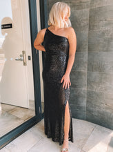 Load image into Gallery viewer, Montique - Elle Sequin Black Gown (Size 10)