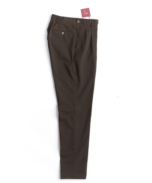 WIDE SEER RELAXED TAPER TROUSERS / BROWN