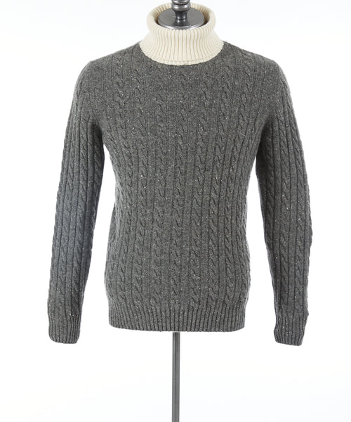 TWO TONE CABLE CASHMERE TURTLENECK / GREY