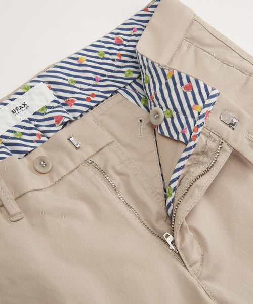 'BARRY' COTTON STRETCH SHORTS / BEIGE