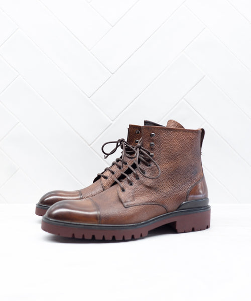 SIDE ZIP TOE CAP CITY BOOT / COGNAC