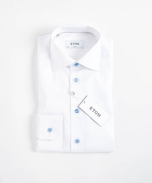 WHITE TWILL CONTEMPORARY FIT SHIRT WITH CONTRAST BUTTONS / BLUE