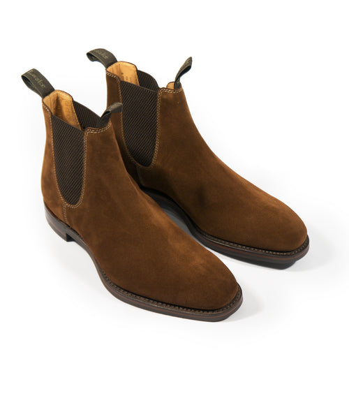 CHATSWORTH SUEDE CHELSEA BOOT / BROWN