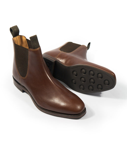 CHATSWORTH WAXY LEATHER CHELSEA BOOT / BROWN