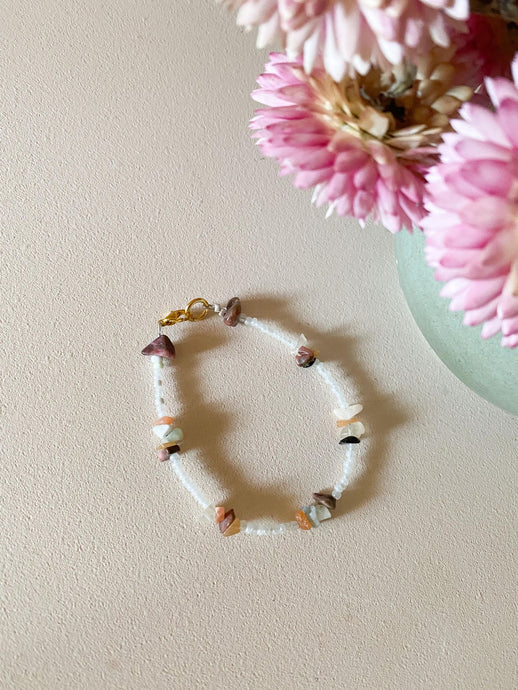White Beads/ crystal chip bracelet